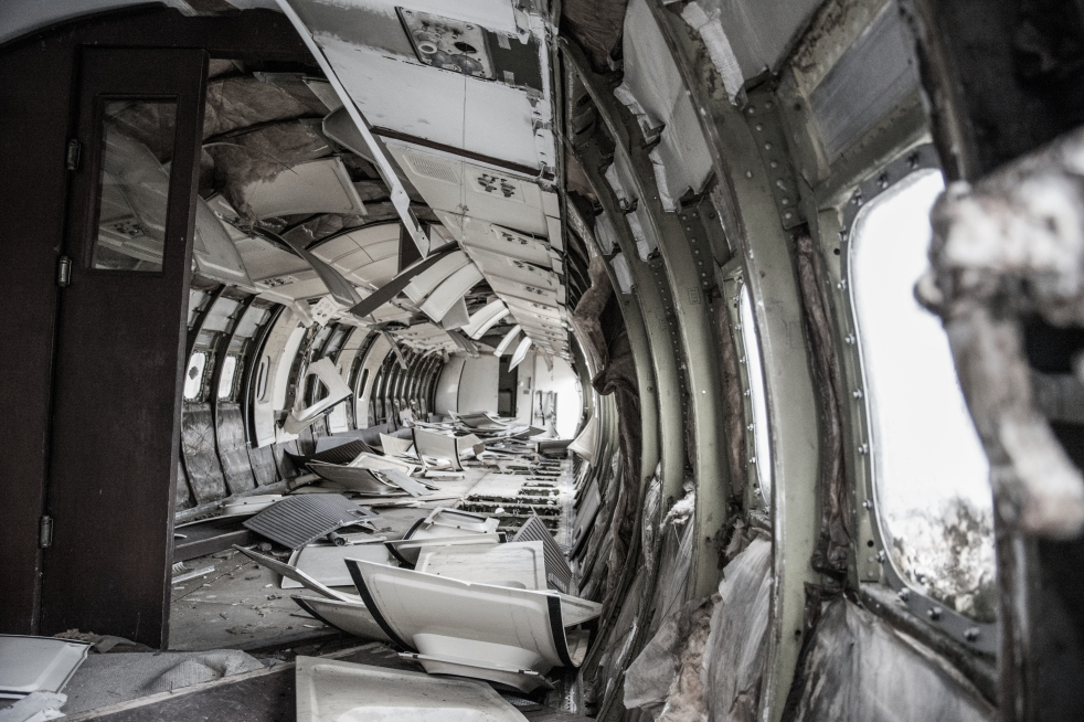 broken-airplane-plane-old.jpg